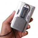 Liten och behändig AM-FM-radio för resan mm